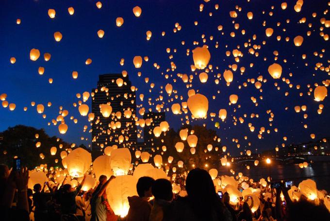 1000 ides sur le thme sky lanterns sur pinterest lanternes flottantes lanternes de papier flottantes et mariages - Lanterne Volante Mariage