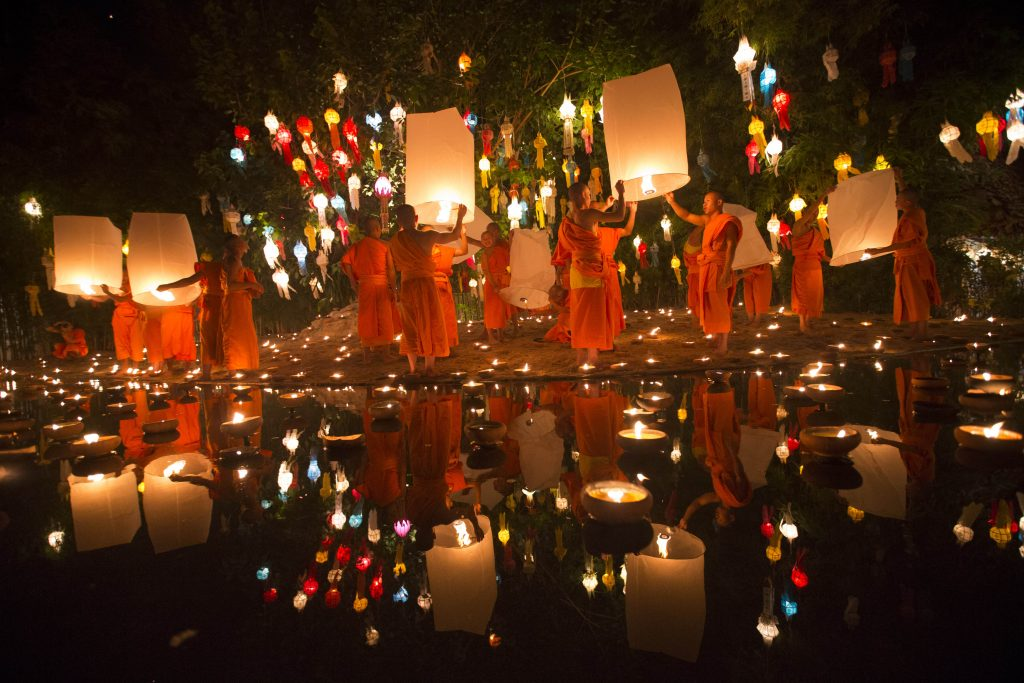 lanterne thaïlande lacher moines