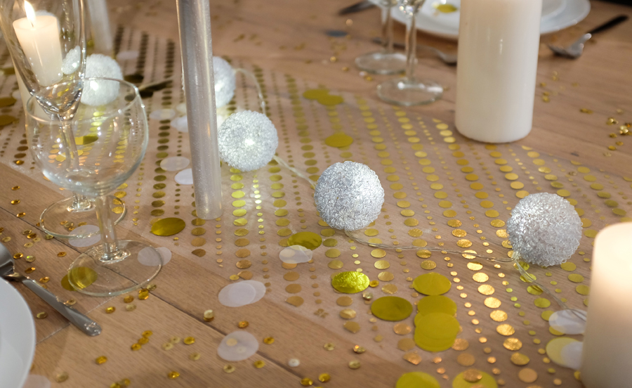 chemin de table lumineux table fetes noel or blanc