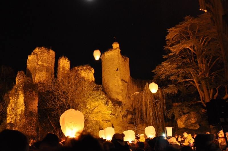 Lâcher de Lanternes SkyLantern au Château de Vendôme !