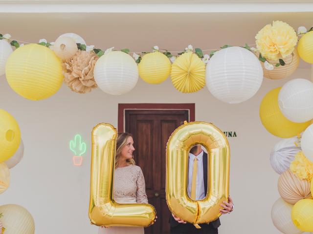 decoration mariage jaune acidulé lampions arche