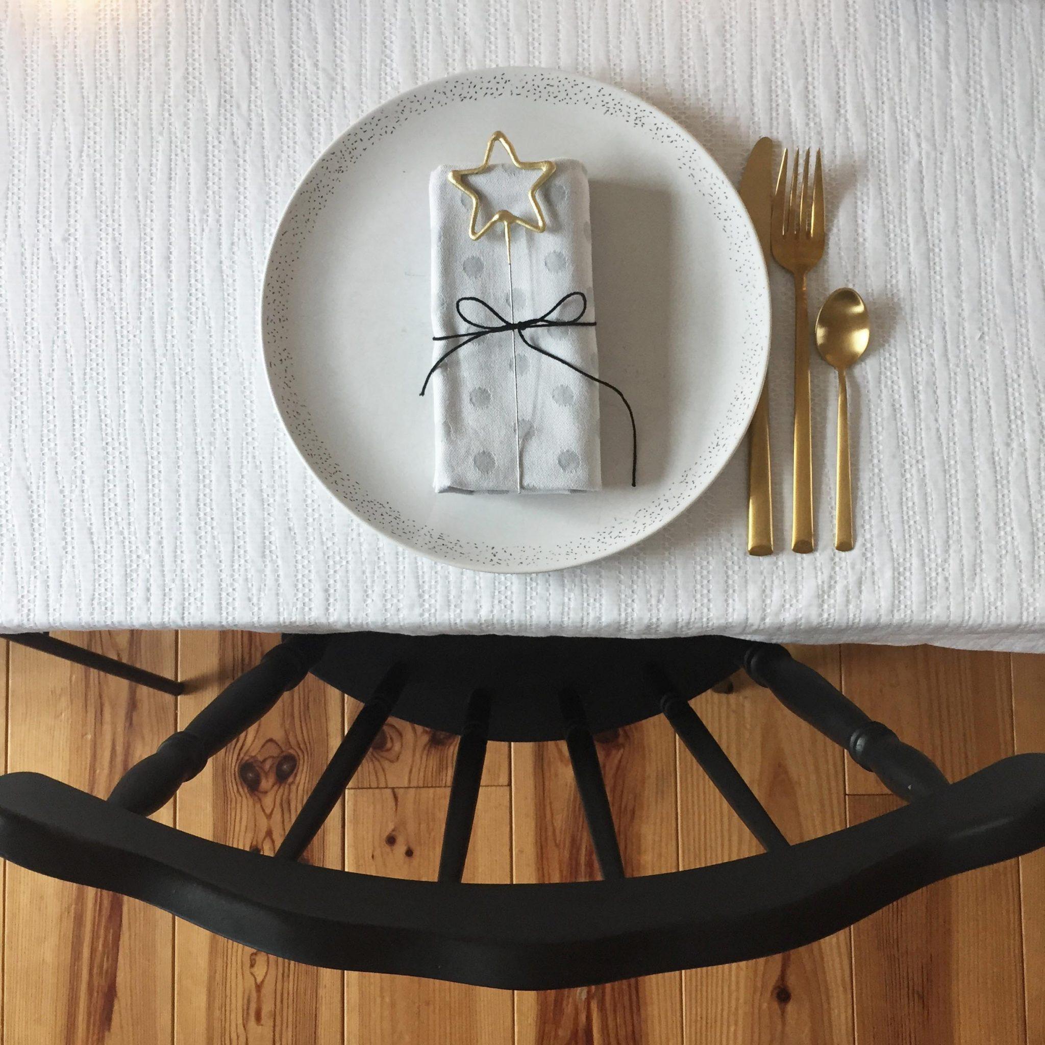 décoration Noel fêtes noir blanc cierges magiques étincelles