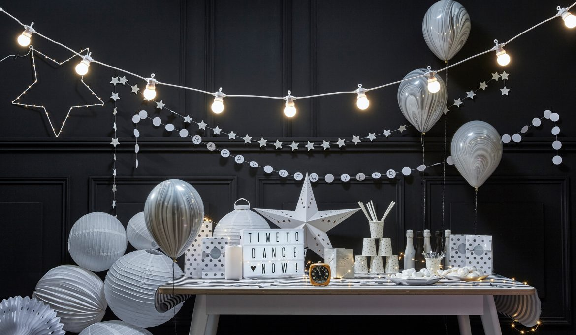 D co nouvel an tendance du noir et blanc au r veillon du for Decoration 31 decembre