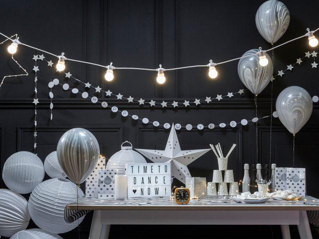 décoration réveillon nouvel an saint sylvestre 31 décembre fête blanc noir