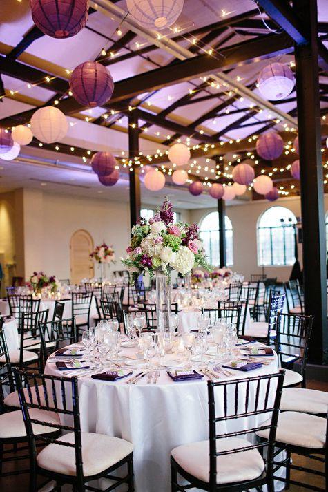 finest mariage violet dcoration tendance salle poutres plafond with decoration poutres plafond. Black Bedroom Furniture Sets. Home Design Ideas
