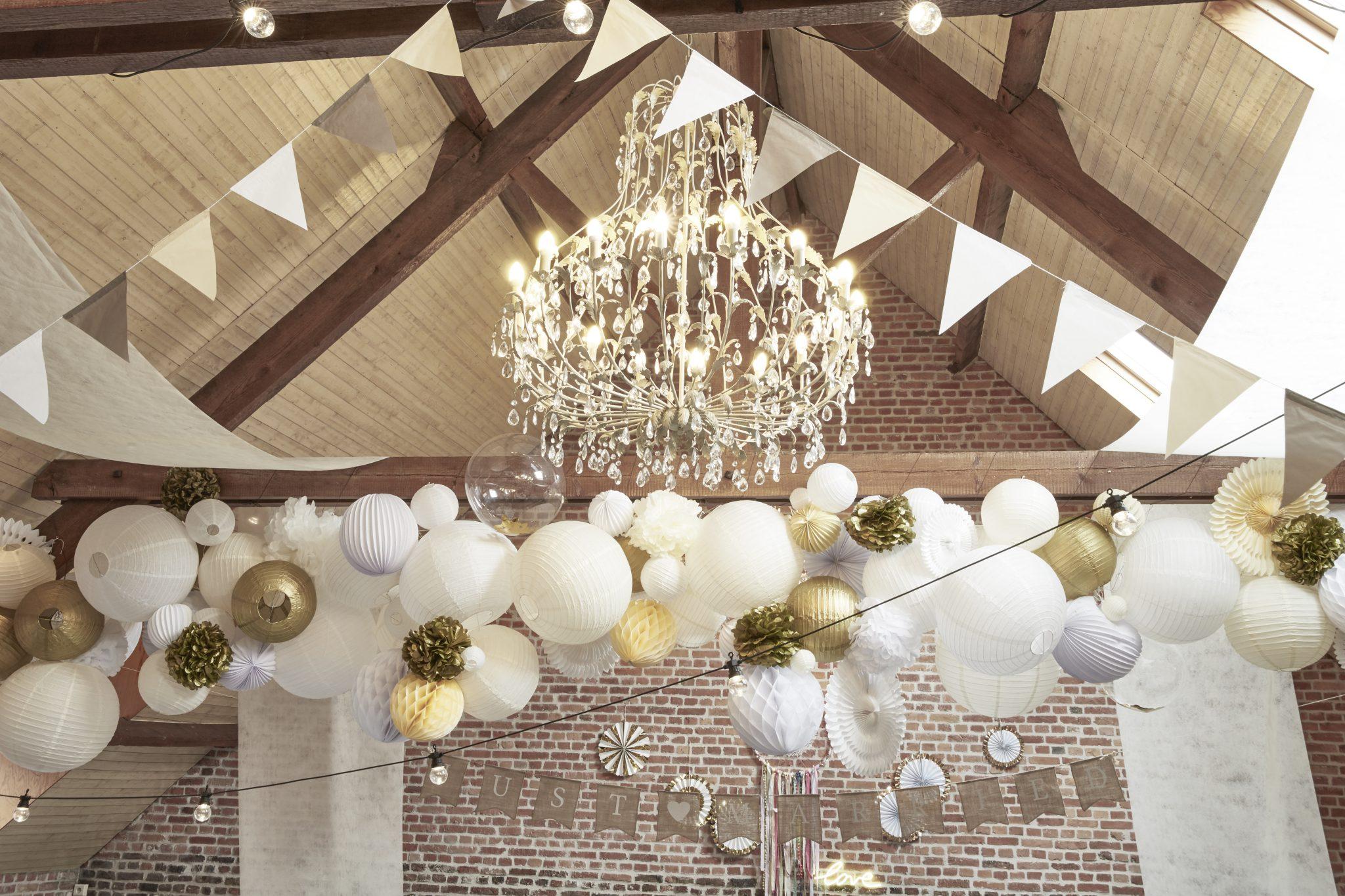 décoration plafond salle champêtre mariage skylantern