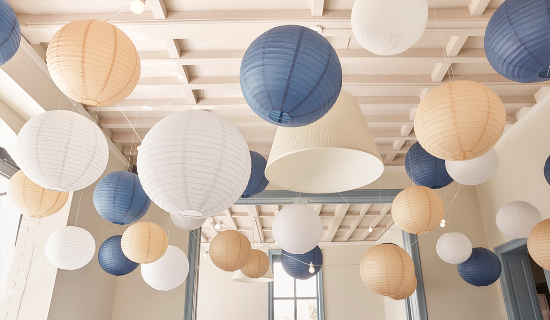 Comment Faire Des Boules En Papier déco plafond mariage : idées décoration, conseils et sélection