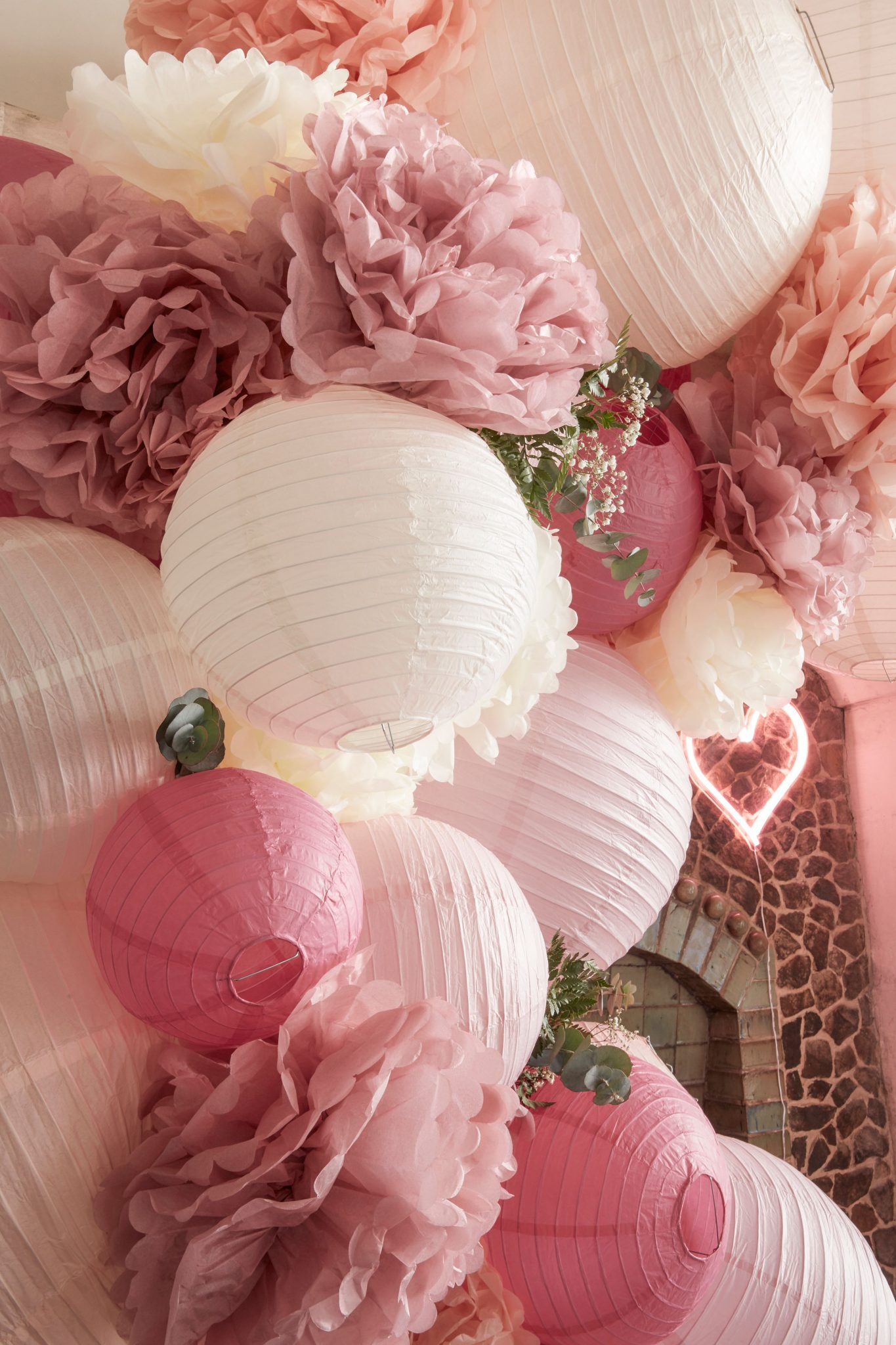 decoration mariage lampion lanterne boule rose ivoire blanc blush