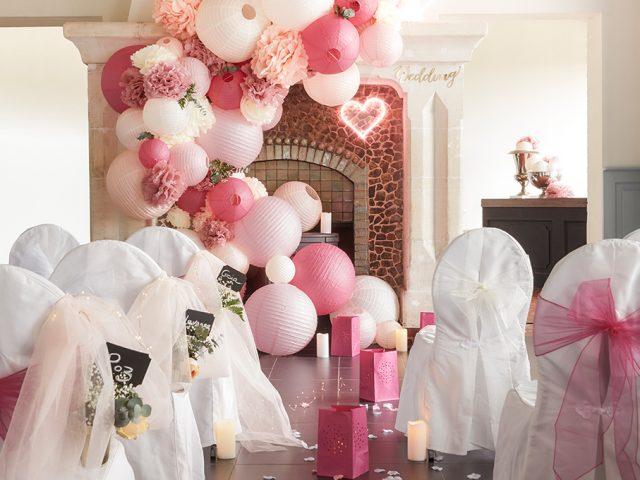 decoration mariage allée cérémonie déco lampion lanterne pétale rose