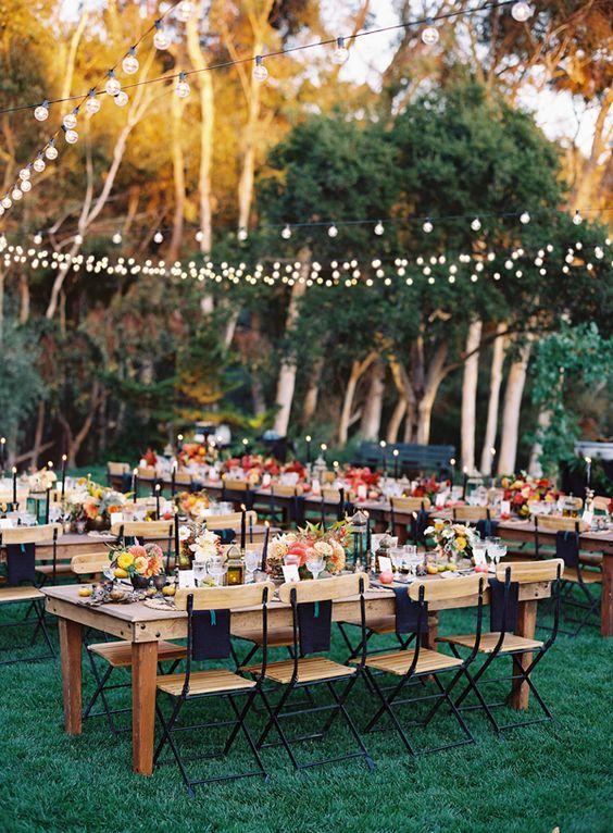 decoration mariage folk exterieur tables fleurs multicolores mexique