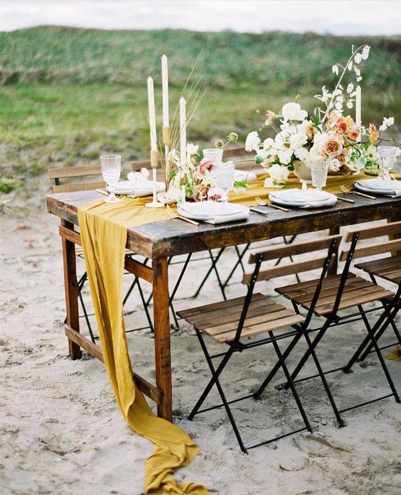 table deco mariage tendance 2019 moutarde jaune cumin