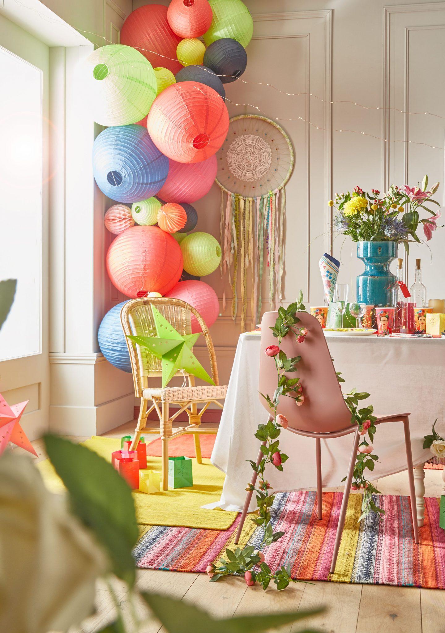 tendance déco noel 2019 2018 boules papier fleurs couleurs tapis